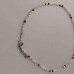 Jewelry - Delicate freshwater pearl and garnet necklace